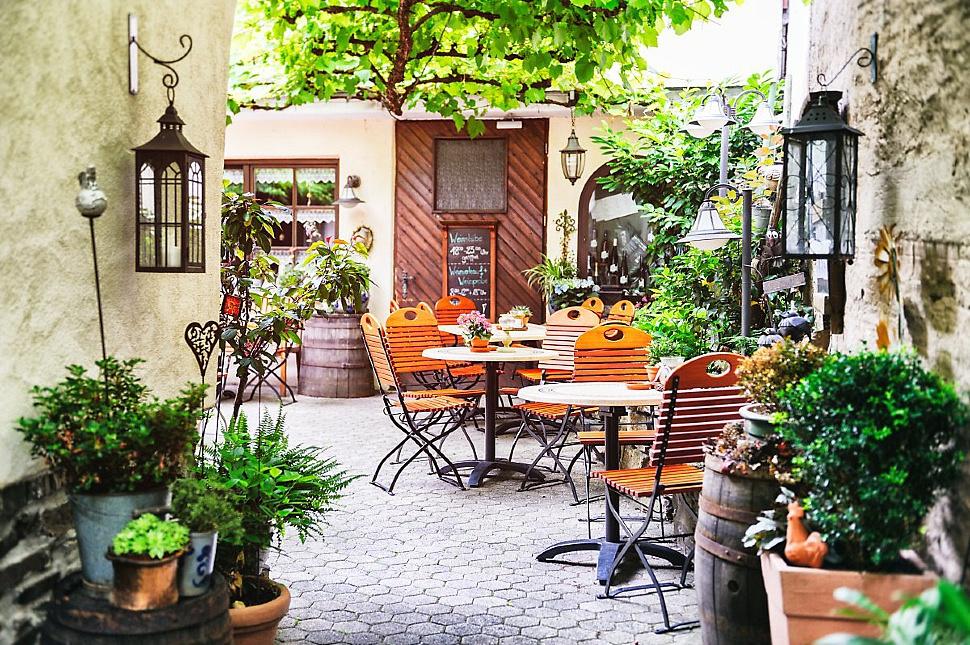 Озеленение летних кафе